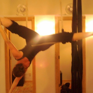 Aerialates lets you in on the body leverage training trend